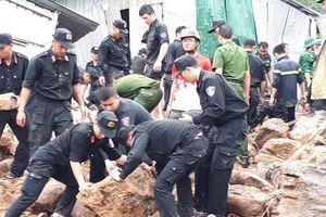 Tang thương sau trận lũ bất thường ở Nha Trang