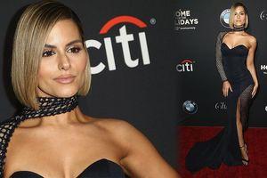 Ca sĩ Pia Toscano diện đầm cúp ngực siêu quyến rũ và gợi cảm
