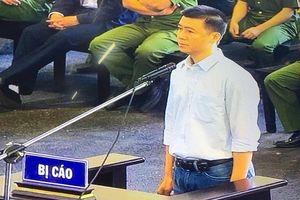 Xử vụ 'đánh bạc nghìn tỷ': 'Ông trùm' Phan Sào Nam khóc nghẹn khi nhắc tới vợ con