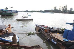 26 tấn hóa chất chìm dưới sông Đồng Nai đã được trục vớt