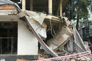 Sập công trình ở Sài Gòn, 2 người bị bê tông vùi lấp, nguy kịch