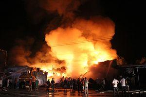 Đốt gas bất cẩn, cháy kho sơn trong khu công nghiệp tại Vĩnh Phúc