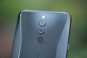 Smartphone chip S845, RAM 8 GB, giá 'mềm' tại Việt Nam