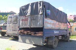 Clip: Quảng Bình: Kiểm lâm bị đánh vỡ đầu do chặn bắt xe chở gỗ