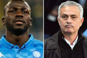 Phá kỷ lục chuyển nhượng có giúp M.U mua được trung vệ của Napoli?