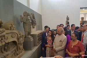 Tổng thống Ấn Độ đến Đà Nẵng, thăm Bảo tàng điêu khắc Chăm