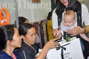 Chương trình 'Cảm nhận vẻ đẹp' tri ân những giáo viên, những người mẹ tại Làng trẻ SOS