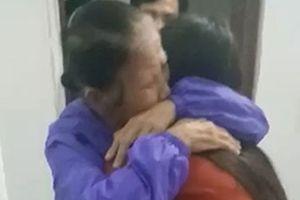 Một phụ nữ trở về sau 16 năm lưu lạc