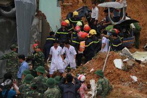 Nhân chứng kể phút kinh hoàng đất đá sạt lở, đè 5 người thương vong khi đi du lịch tại Nha Trang