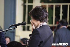 Người mẹ thứ hai của Phan Sào Nam nghẹn ngào căn dặn con trai trước tòa