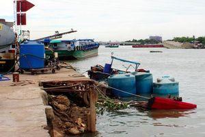26 tấn hóa chất chìm xuống sông Đồng Nai không bị rò rỉ