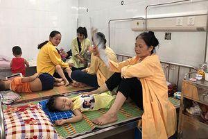 Đình chỉ cơ sở cung cấp bánh ngọt gây ra vụ ngộ độc thực phẩm tại huyện Đông Anh