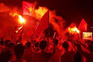Báo Hàn Quốc choáng về CĐV Việt Nam: 'Như thể họ đang dự World Cup'