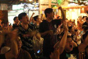Muôn vàn cảm xúc của CĐV Sài Gòn trong trận hòa của tuyển Việt Nam