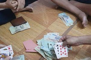 Tranh cãi vì đặt tiền cược khi đánh bạc, nam thanh niên bị đâm trọng thương