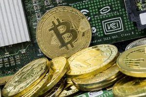 Bitcoin bất ngờ rơi 'chọc' thủng mốc 5.000 USD/coin, nhà đầu tư 'khóc ròng'