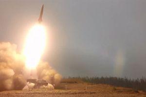 Nga nã tên lửa đạn đạo ầm ầm sau cảnh báo NATO