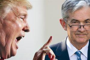 Kinh tế Mỹ sẽ suy thoái và cuộc đối đầu với FED