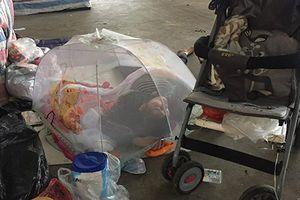 Thông tin bất ngờ về người mẹ cho con 1 tháng tuổi ngủ vỉa hè