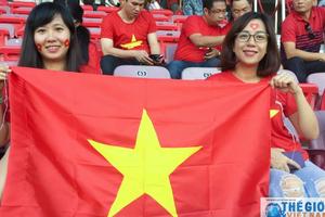 Những hình ảnh đầu tiên của CĐV tiếp lửa đội tuyển Việt Nam - Myanmar