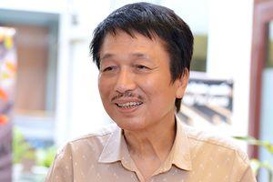 Nhạc sĩ Phú Quang: 'Lăng xê vô tội vạ làm hỏng thẩm mỹ của quần chúng'