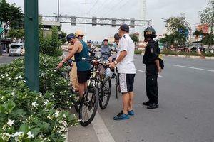 Nóng trên mạng xã hội: Không phải xe đạp muốn chạy sao thì chạy!