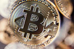 Bitcoin mất mốc 5.000USD lần đầu kể từ tháng 10.2017