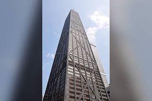 Tháng máy rơi tự do 84 tầng, thai phụ thoát chết thần kỳ