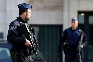 Bỉ: Cầm dao đâm cảnh sát rồi hô khẩu hiệu thánh chiến