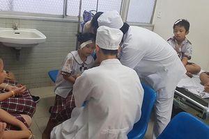 Sập giàn giáo Trường TH Huỳnh Văn Bánh: 6 học sinh bị chấn thương nặng