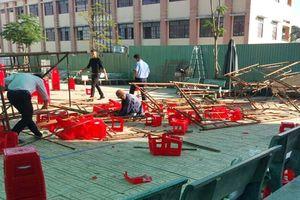Nhiều học sinh ở Sài Gòn bị thương khi giàn giáo đổ sập