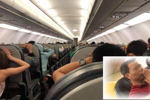 Clip máy bay Vietjet gặp sự cố sau khi cất cánh, hàng trăm khách cầu thoát chết