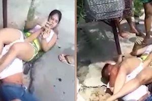 Nữ sinh kẹp cổ tên cướp điện thoại 20 phút trên đường