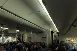 Máy bay của Singapore Airlines phải quay đầu, hạ cánh khẩn cấp