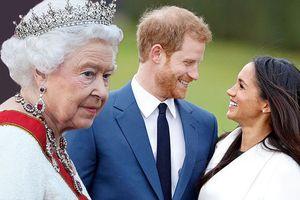 Công nương Meghan đã làm gì khiến Hoàng gia Anh náo loạn, Nữ hoàng phật ý?