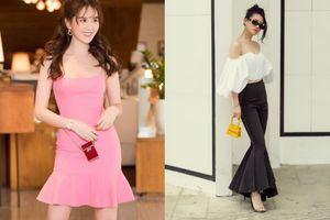 Không kém cạnh Mai Phương Thúy hay Khánh Linh, Ngọc Trinh cũng tậu túi xách mini chỉ để vừa thỏi son