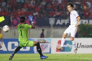 Trọng tài 'mơ ngủ', Văn Toàn bị cướp bàn thắng định đoạt số phận trận đấu!