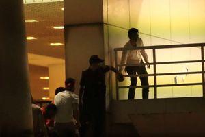 Sa thải nhân viên an ninh giúp CĐV không có vé trèo vào sân Mỹ Đình