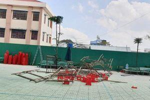 TPHCM: Sập giàn giáo trong lễ kỷ niệm 20/11, 25 học sinh đi cấp cứu