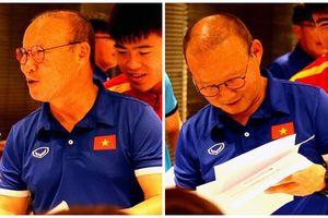 Nhân ngày 20/11 - Đội tuyển Việt Nam tự tay vẽ 'chân dung' tặng thầy Park