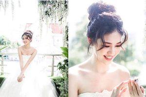 Trước thềm đám cưới với đại gia U40, Á hậu Thanh Tú khoe vẻ gợi cảm 'đốt mắt'