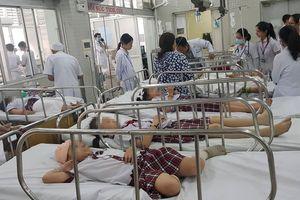 25 học sinh bị thương trong vụ sập giàn giáo, 15 em đã chuyển vào bệnh viện Chợ Rẫy