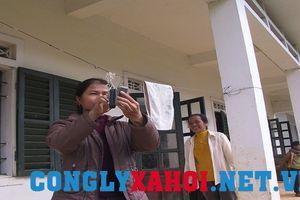 Hai cô giáo 'mở đường chữ' trên đỉnh Piêng Luông