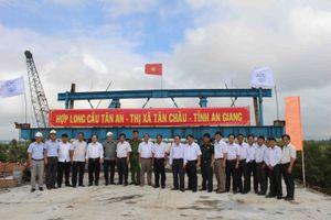 An Giang: Hợp long cầu Tân An