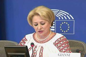Khủng hoảng chính trị, Romania cải tổ nội các sâu rộng ở 8 vị trí