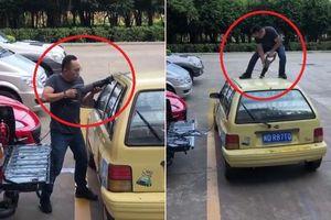 Clip: Đỗ ô tô bừa bãi và cái kết đắng không tưởng
