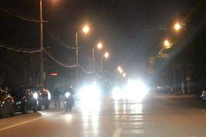 Hà Nội yêu cầu xử lý nghiêm các phương tiện vận tải lắp còi, đèn chiếu sáng sai quy định
