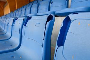Sân Hàng Đẫy xuống cấp trước trận đấu lớn cuối cùng