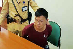Hà Nội: CSGT tóm gọn đối tượng nhiễm HIV đi cướp giật