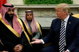 Giữa tâm bão vụ Khashoggi, ông Trump nhắc thỏa thuận vũ khí